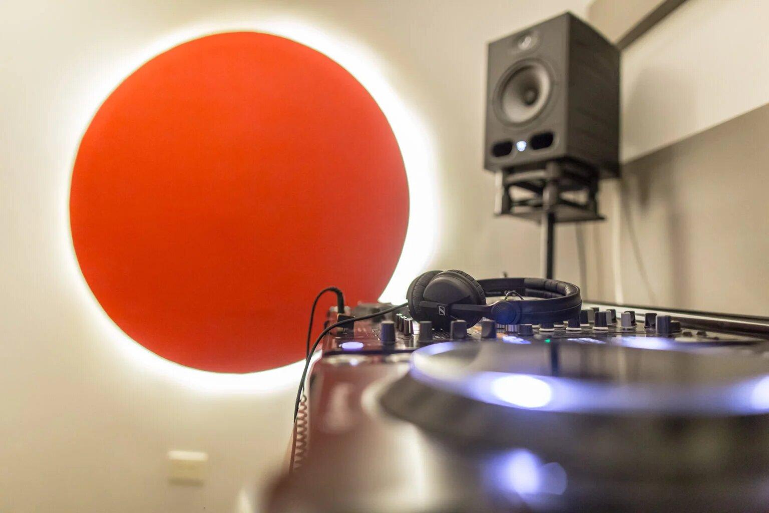 Salas de práctica para DJs y ensayo para músicos y bandas